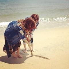 Happiness 公式ブログ/なにを書き始めてるのか…!YURINO 画像1