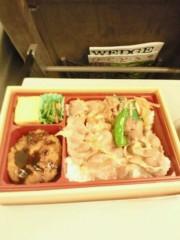 ジャガー横田 公式ブログ/新幹線で駅弁です。(^^; 画像1