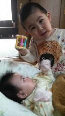 ジャガー横田 公式ブログ/大維志…赤ちゃんをあやす!?(^_^;) 画像1