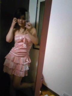 ピンクミニドレス