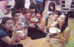 朝比奈ゆうひ 公式ブログ/ 撮影の休憩中に仲良しご飯(´∀`) 画像1