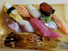 世界のうめざわ 公式ブログ/カープと修行中の板前さんのお寿司 画像1
