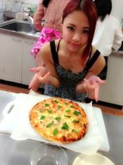 FLOWER 公式ブログ/ピザと私。  千春 画像1