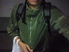 宇都宮快斗 公式ブログ/突然の雨にレインコート。 画像1