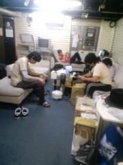 ジェイムス 清水アツシ 公式ブログ/スタジオでゴロゴロ〜! 画像1