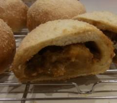 纐纈英里香 公式ブログ/焼きカレーパンが出来上がりました 画像2