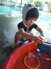 田村月子 公式ブログ/余震とプール 画像2