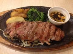 アクア新渡戸 公式ブログ/昨日のステーキで 画像1