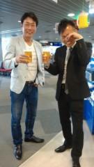 井上敬一 公式ブログ/空港にて杯を交わす 画像1
