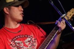 戸嶋 大 プライベート画像/2011.5/11「都雅都雅」 ギターに夢中w
