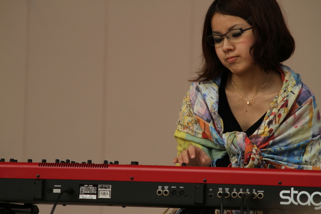on piano waka*
