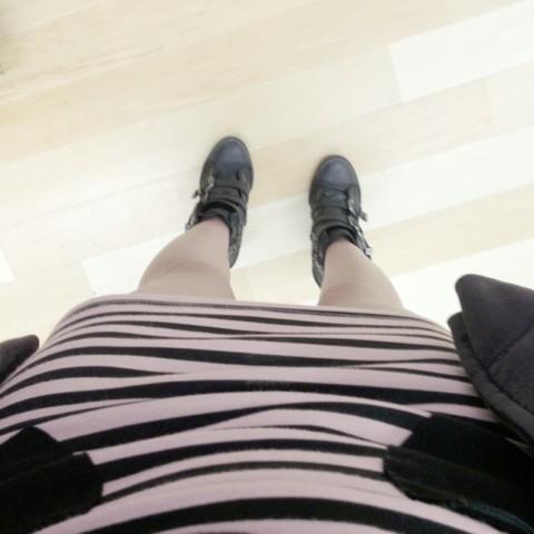 久々のスカートとヒールブーツ
