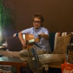 カトウトモタカ 公式ブログ/ソファに座って歌うライブは(多分)初めてでしたけど、いいもんですね。 画像1