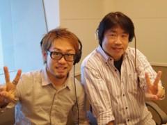 カトウトモタカ 公式ブログ/ヘッドフォンはズレているのではなく、ズラしているのです。右耳は生音を聴きたいので。 画像1