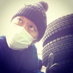 カトウトモタカ 公式ブログ/タイヤを運ぶ時、タイヤを上下させながら運びました。筋トレ的にね。 画像1
