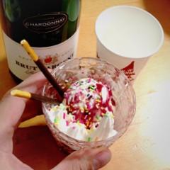 カトウトモタカ 公式ブログ/スパークリングワインを呑むとパーティー感がすんげぇ上がるよね。 画像1