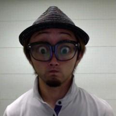 カトウトモタカ 公式ブログ/「青いイナズマ」をカラオケで歌うと「ゲッチュー」争奪戦になるよね。 画像1