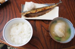 川島けん 公式ブログ/[Lunch]米米サンマと肉巻きキャベツの味噌汁。 画像1