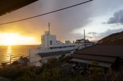 川島けん 公式ブログ/窓の外は見事な夕日 画像1