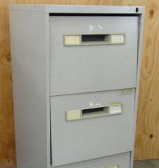 新人 公式ブログ/ビフォアフター家具再生 3段ロッカーの巻 2  画像1