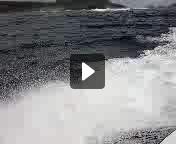 海は大荒れです