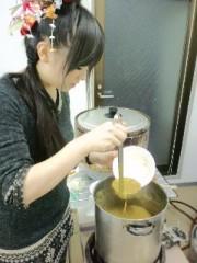 綾乃(かぐや) 公式ブログ/カレーを注ぐユウナ氏( かぐや:よう子) 画像1