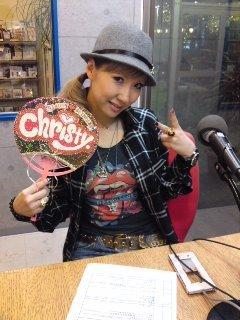 今からラジオ生放送〜〜っ!