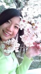 佐々木悠花 公式ブログ/桜と触れ合う佐々木 画像2
