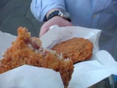 あっち幾三 公式ブログ/あっちぃ散歩肉屋さんのメンチカツはうまい!の巻 画像1