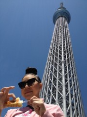 AYUMO 公式ブログ/スカイツリーの根元 画像1