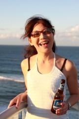 川崎りえ プライベート画像/こんな私ですけどよろしく♪ バーリーヘッズの地ビールと共に