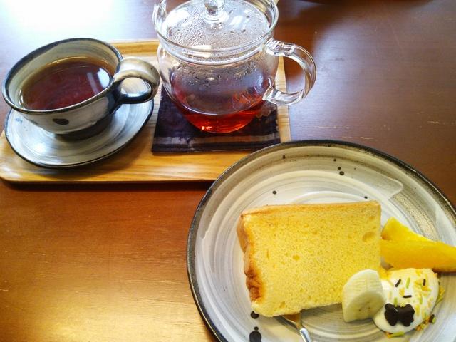 大学の友達と、カフェでお茶しておりまーす