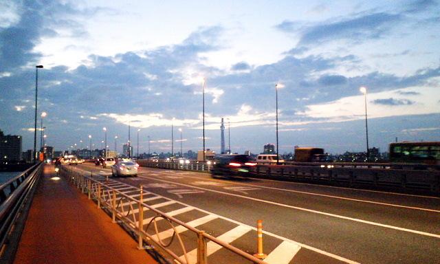 小松川橋から望むスカイツリー