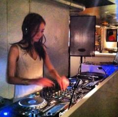 KYLA (カイラ) 公式ブログ/今日!メインフロアで初DJ!!! 画像2