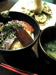 相田翔子 公式ブログ/『まぐろのヅケ丼と蓮根の挟み揚げ』 画像1