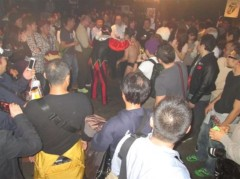 アントニオ小猪木 公式ブログ/超満員の場外乱戦! 画像1