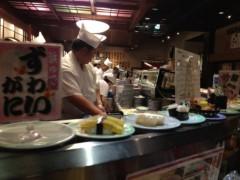 アントニオ小猪木 公式ブログ/函館で回転寿司 画像1