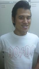 アントニオ小猪木 公式ブログ/白いTシャツ姿 画像1
