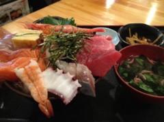 アントニオ小猪木 公式ブログ/溢れんばかりの海鮮丼! 画像1