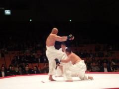 アントニオ小猪木 公式ブログ/膝蹴り一発! 画像1