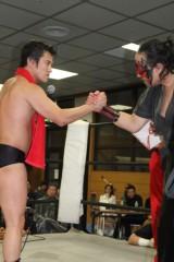 アントニオ小猪木 公式ブログ/健闘を称える握手! 画像1