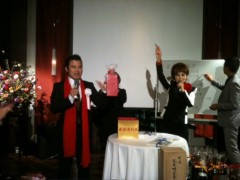 アントニオ小猪木 公式ブログ/抽選会で司会アシスタント 画像1