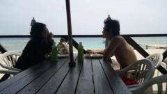 アントニオ小猪木 公式ブログ/無人島でバーベキュー 画像1