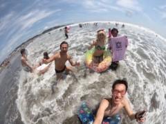 アントニオ小猪木 公式ブログ/海で魚眼レンズ撮影! 画像1