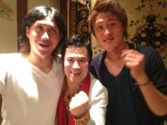 アントニオ小猪木 公式ブログ/プロサッカー選手二人と! 画像1