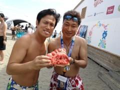 アントニオ小猪木 公式ブログ/由比ヶ浜でスイカ割りも! 画像1