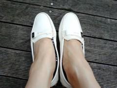 川村綾 公式ブログ/靴擦れが〜 画像1