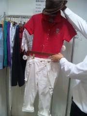 岡本夏生 公式ブログ/明日は焼き肉「叙々苑カップ」だよ〜どっちのゴルフウェアーがグ 画像2
