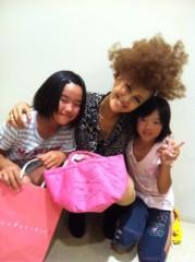 岡本夏生 公式ブログ/『大丸心斎橋店』のトークショーで勇気ある少6 の女の子との出逢 画像1