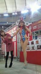 岡本夏生 公式ブログ/みな実屋で、アメリカンなバニーでこにゃにゃちわ〜(爆) 画像2